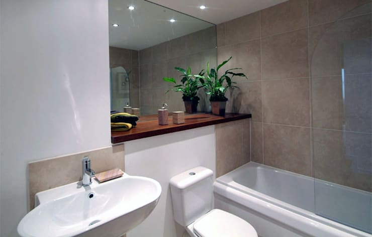 EnSuite Bathroom:  Bathroom by Lime Lace Eclectic Interiors