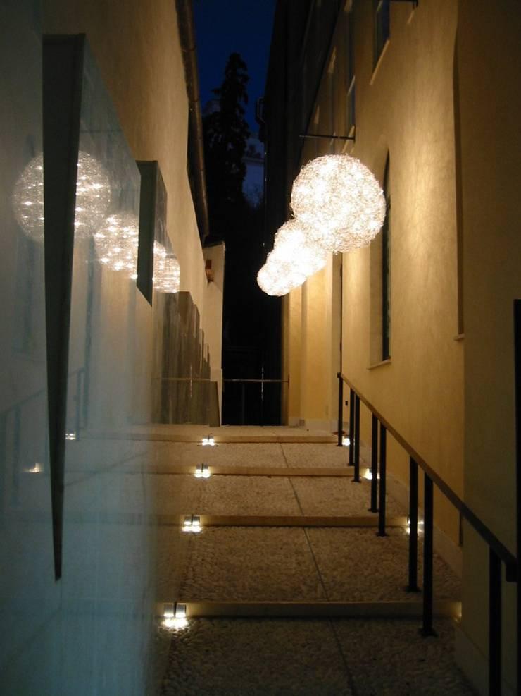 Hotel Art: Hotel in stile  di laboratorio di architettura - gianfranco mangiarotti, Eclettico