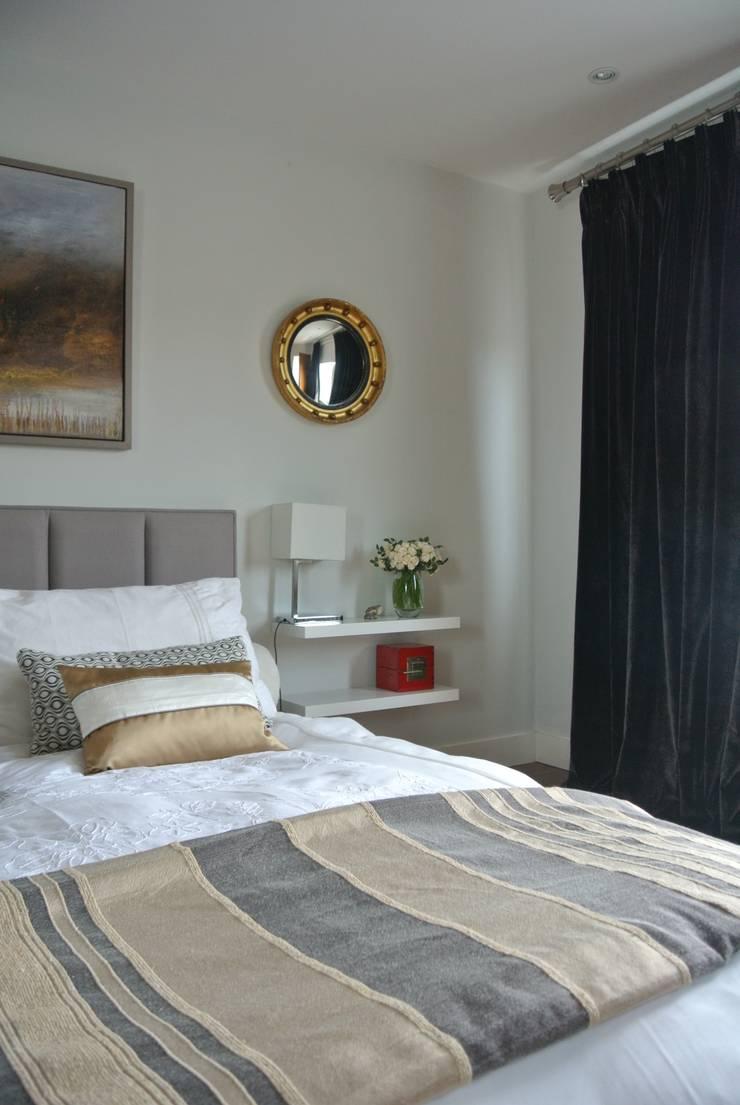 Bedroom:  Bedroom by STUDIO[01] LTD