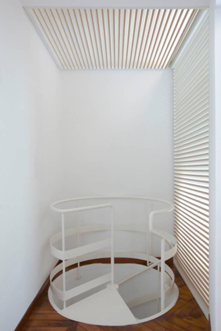 + Stradella: Case in stile  di Elena e Francesco Colorni Architetti