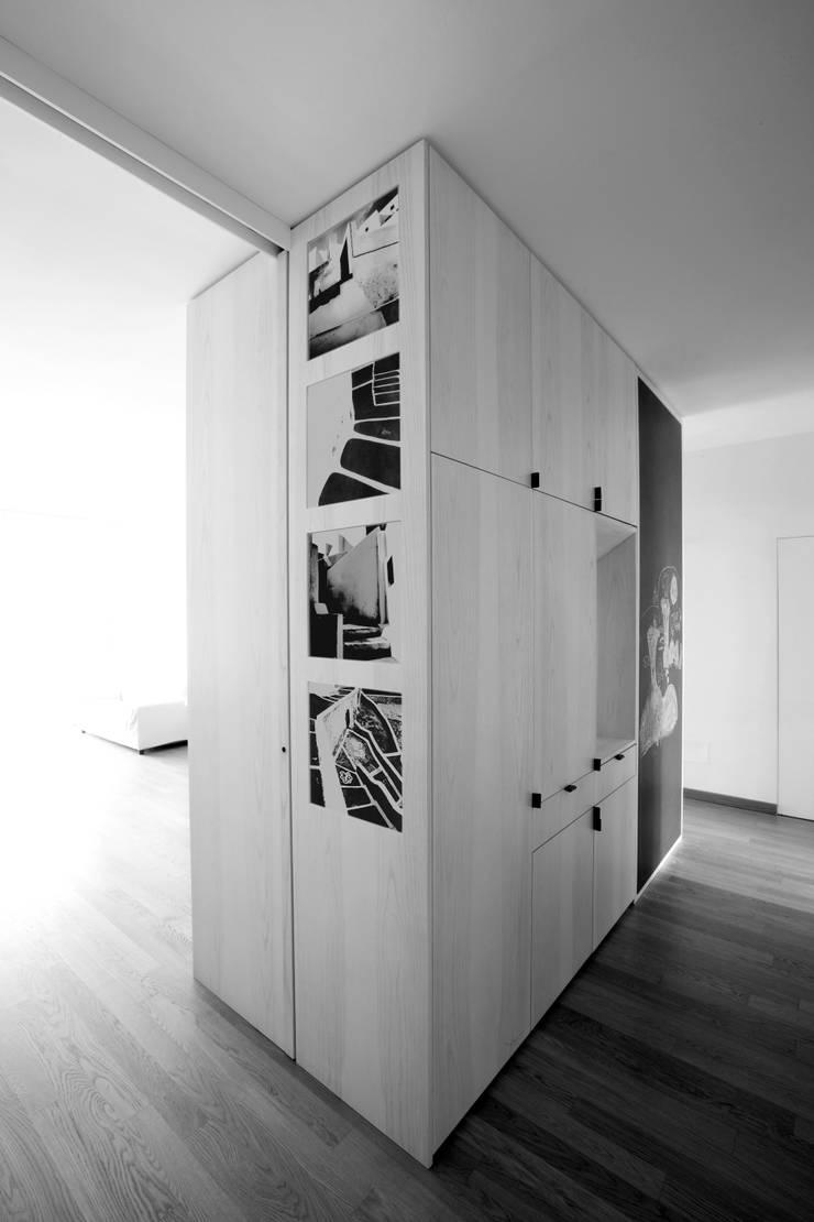 Maisons de style  par Elena e Francesco Colorni Architetti,