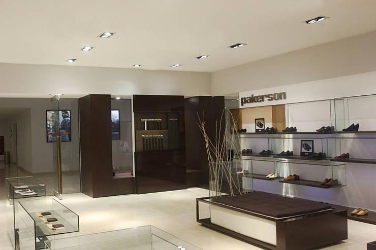 Immagine PAKERSON: Negozi & Locali commerciali in stile  di beatrice pierallini, Moderno