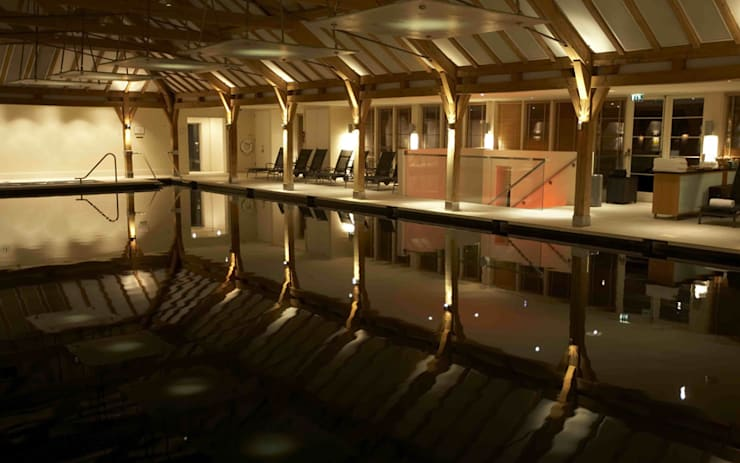 Sequoia SPA, HERTFORDSHIRE :  Commercial Spaces by Hoch Bau Architecture