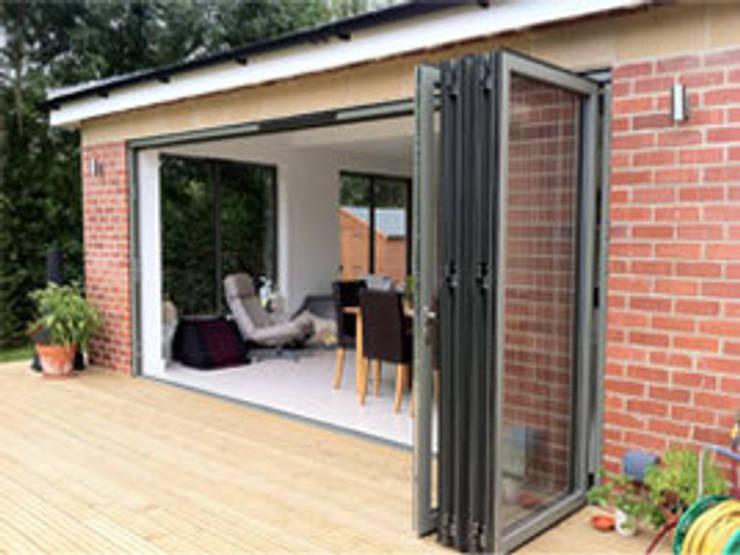 Kitchen Extension & Remodeling :  Kitchen by Hoch Bau Architecture
