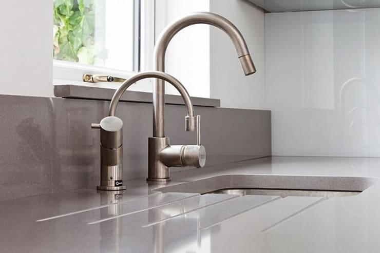 Kitchen Space - Cheltenham: modern Kitchen by Hoch Bau Architecture