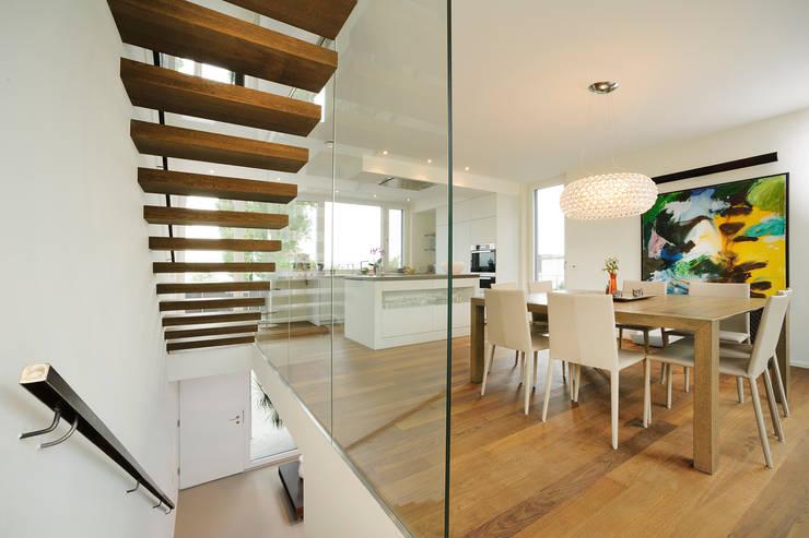 Couloir et hall d'entrée de style  par Spaett Architekten GmbH