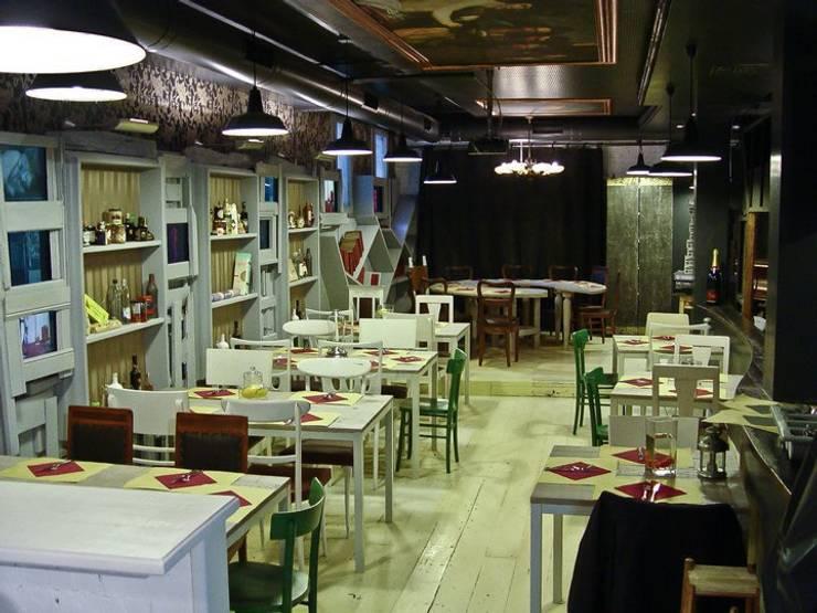 il palco: Gastronomia in stile  di battistellArchitetti