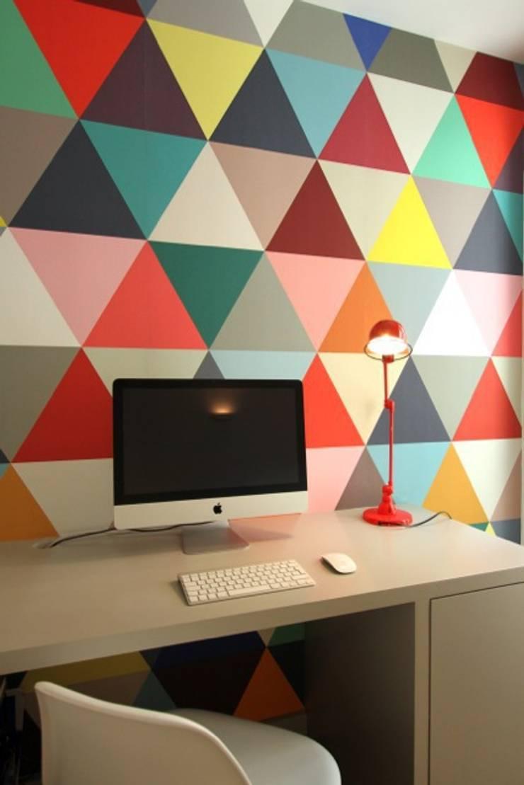 Appartement Parisien: Bureau de style de style Moderne par Camille Hermand Architectures