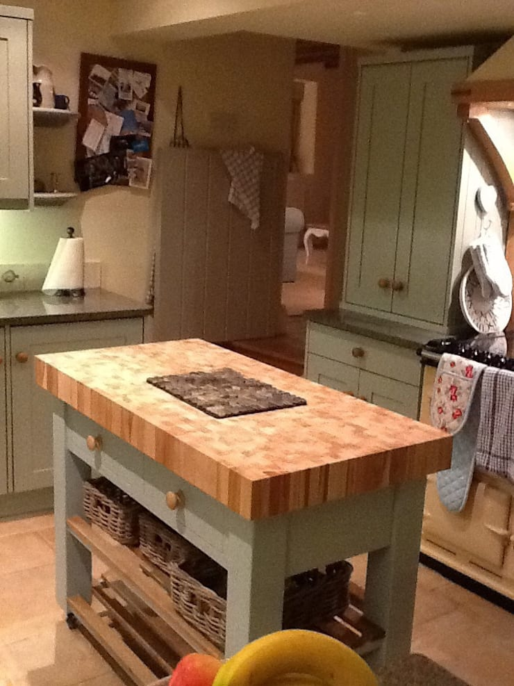 End grain butchers block island :  Kitchen by Country Interiors