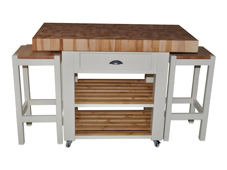 Kitchen island—double overhang :  Kitchen by Country Interiors