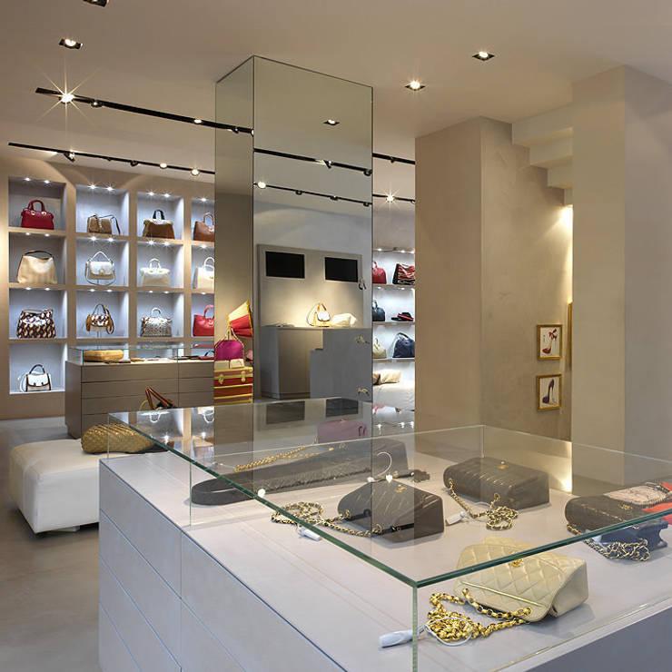 VIDEOLOOK – Shoes shop de Ni.va. Srl Moderno