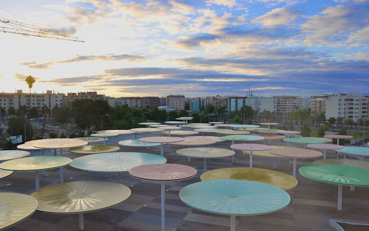 Balcones y terrazas mediterráneos de ParedesPino arquitectos Mediterráneo