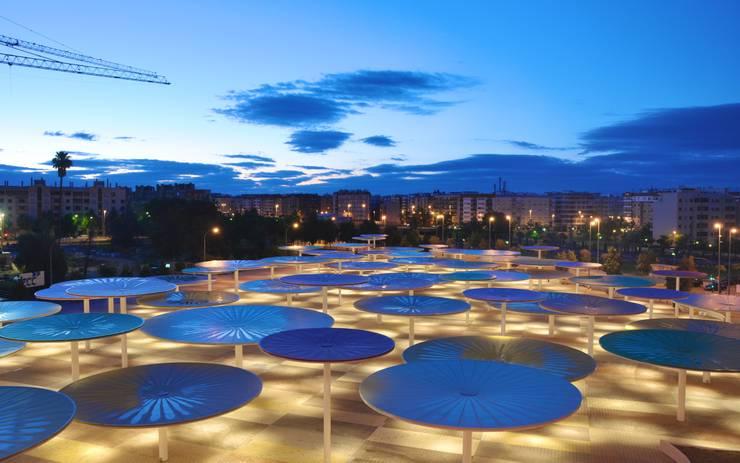 CAAC Cordoba: Terrazas de estilo  de ParedesPino arquitectos