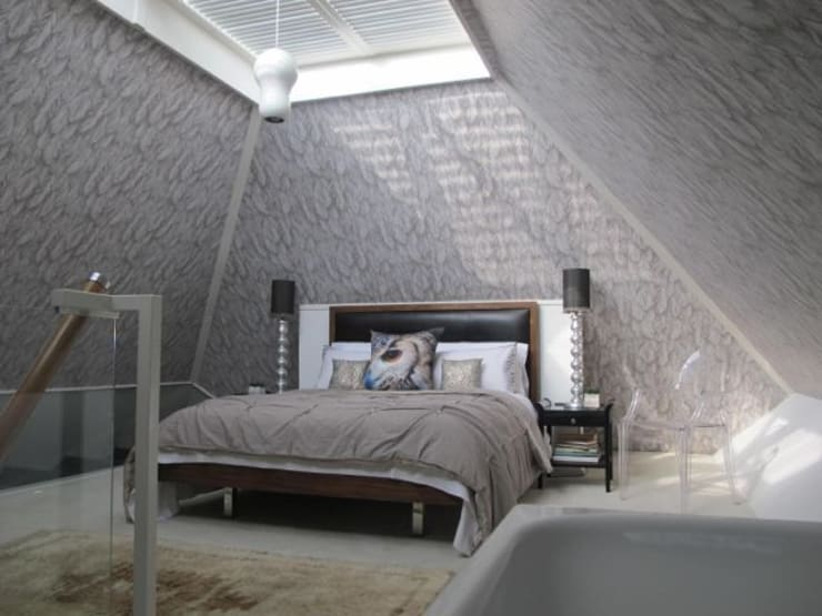Modernist townhouse renovation & redesign:  Bedroom by WALK INTERIOR ARCHITECTURE + DESIGN