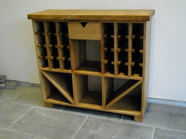 Wine rack:  Kitchen by Edinburgh Contractor Ltd