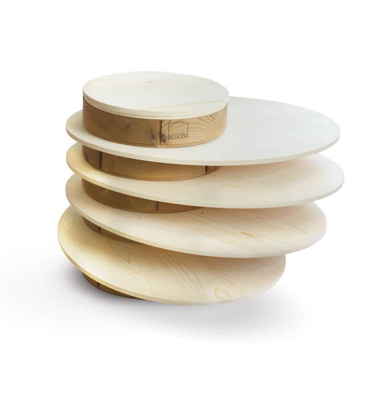 Hula Hoop: Soggiorno in stile  di B+P architetti