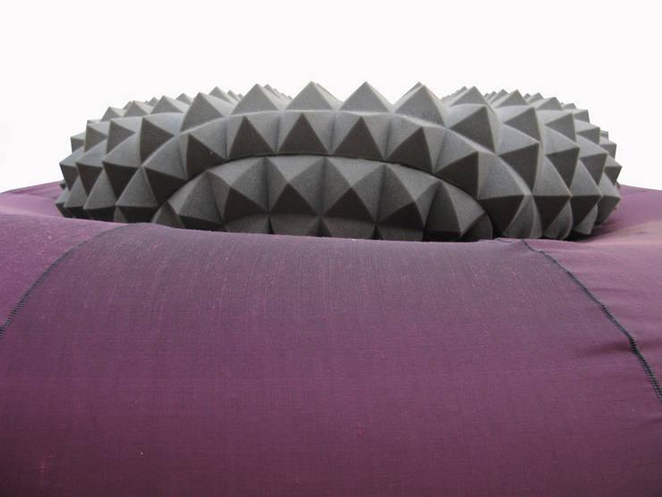 Porcupine Line: Sala da pranzo in stile  di SeFa Design by nature