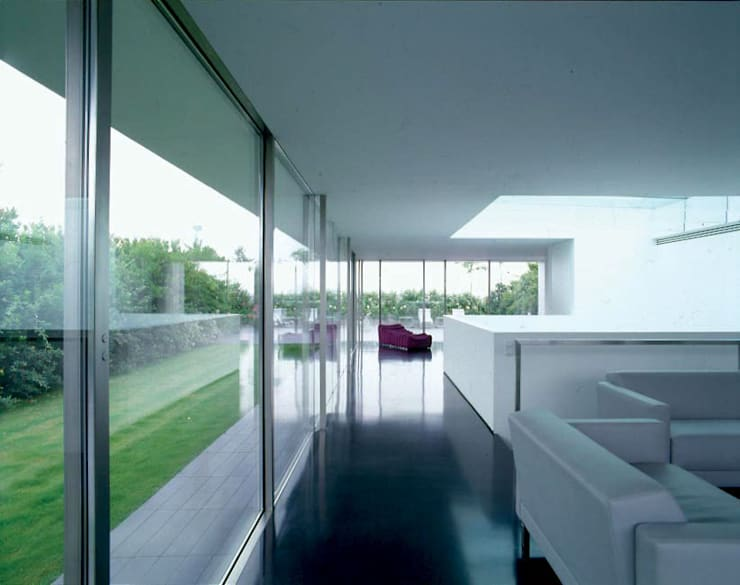ATTICO CON GIARDINO – MILANO: Case in stile  di SERGIO PASCOLO ARCHITECTS