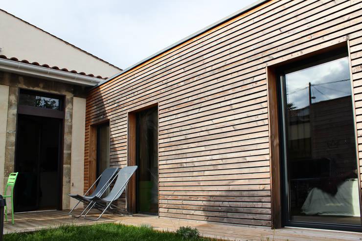 Extérieur: Maisons de style de style Moderne par BIENSÜR Architecture