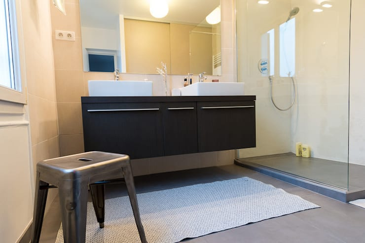 Salle de bain:  de style  par Interieurs Autrement