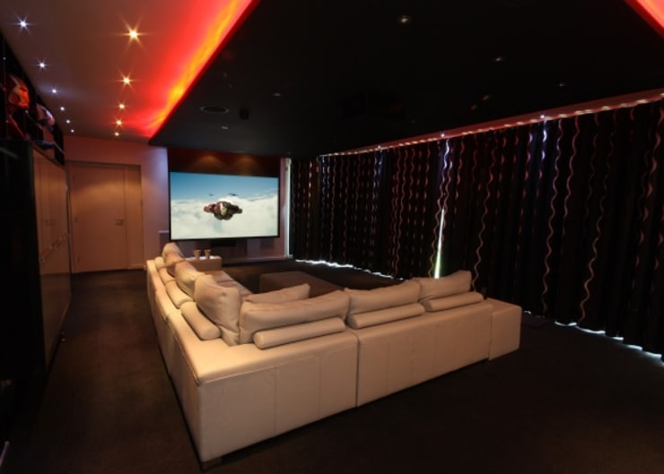 Automated Home Cinema Room and LED Lighting:  Media room by Inspire Audio Visual