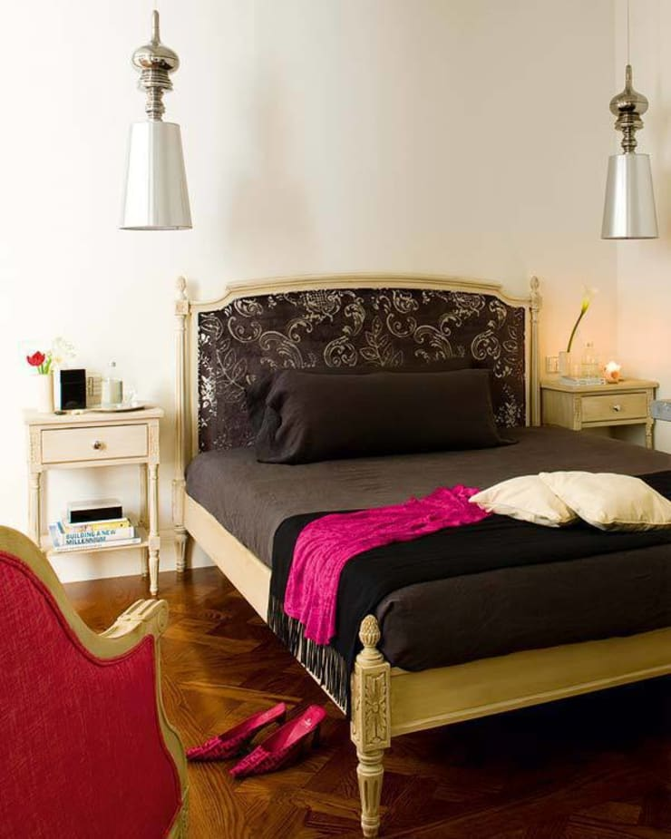 and so to bed...: Casas de estilo  de nikohl cadeau interiors