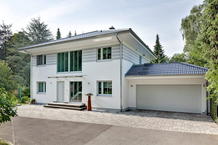 modern Houses by LUXHAUS Vertrieb GmbH & Co. KG