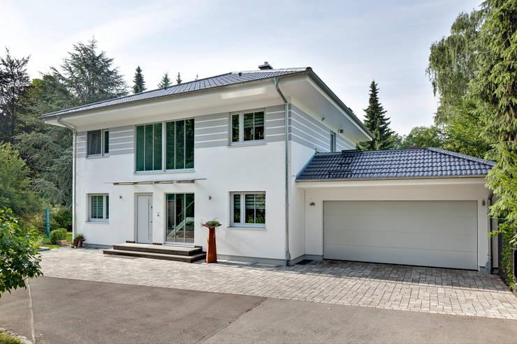 Huizen door LUXHAUS Vertrieb GmbH & Co. KG
