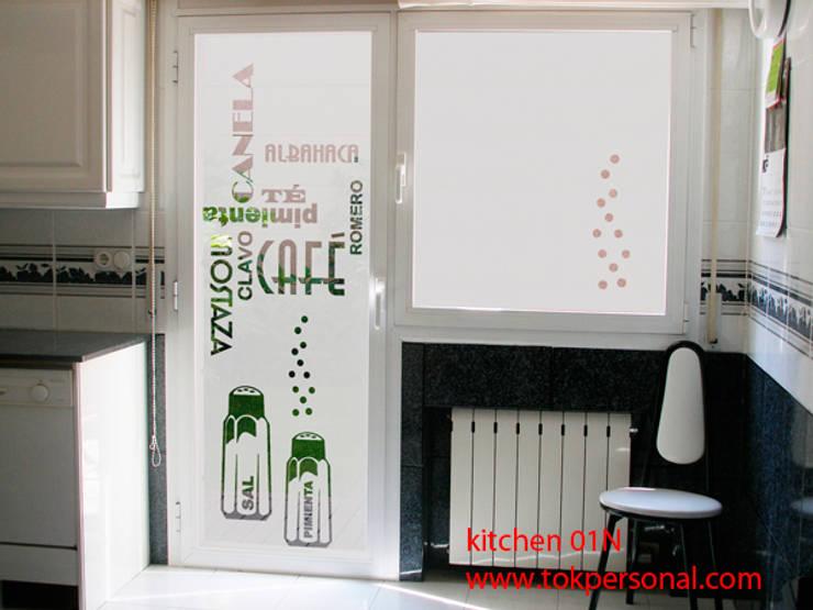 vinilo para cristal puerta KITCHEN 01n: Hogar de estilo  de vinilos decorativos TOKPERSONAL