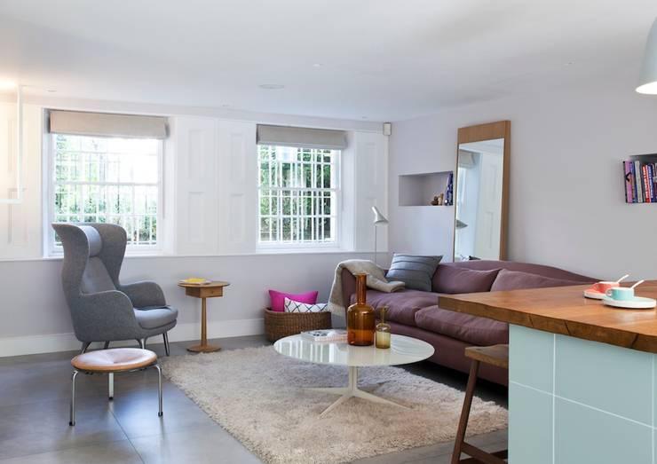 Furlong Road: modern Living room by Matteo Bianchi Studio