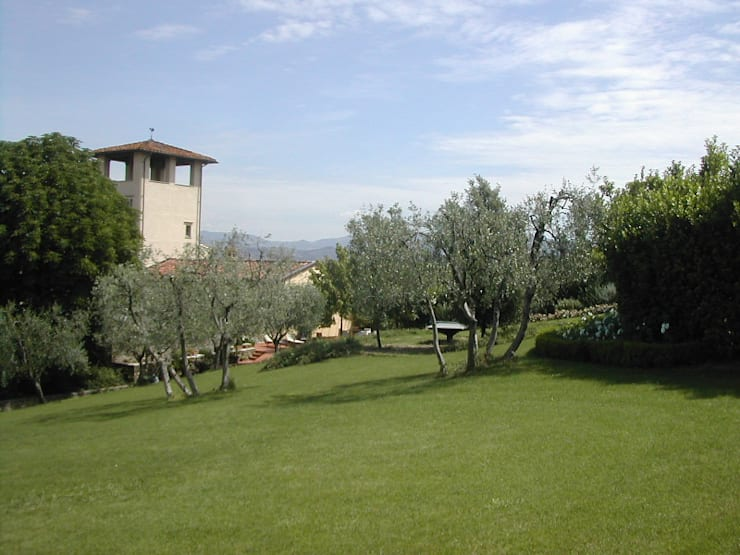 giardino: Giardino in stile  di CHRISTIAN THEILL DESIGN