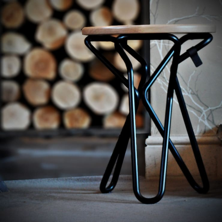 Olly stool:  Kitchen by Decorum