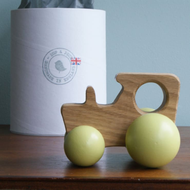 The little wooden tractor:   by Decorum