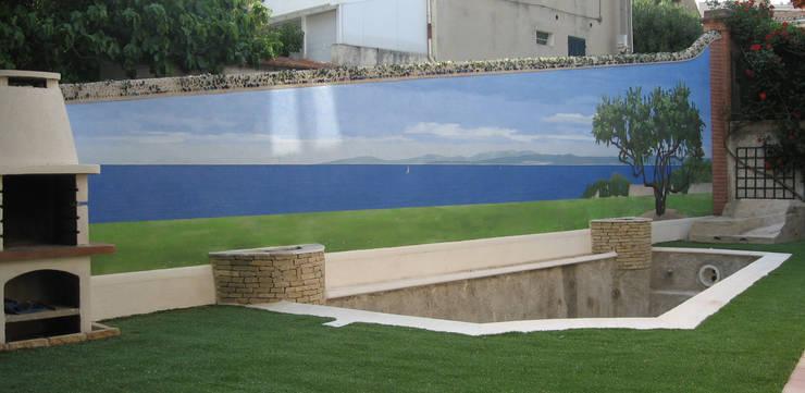 Comment oublier vos murs de clôture: Murs & Sols de style de style Méditerranéen par Agnes PERRONNE