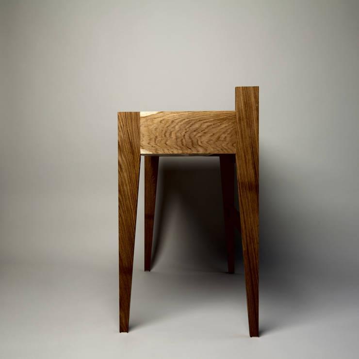 work desk: modern  von Studio Ziben,Modern