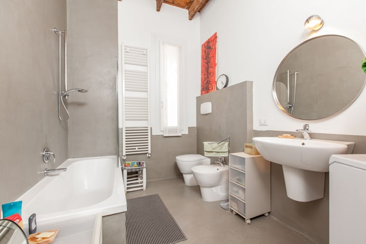 industrial Bathroom by studio matteo fieni