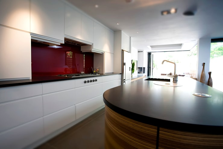 Highgate N6: Stunning London Kitchen:  Kitchen by Increation