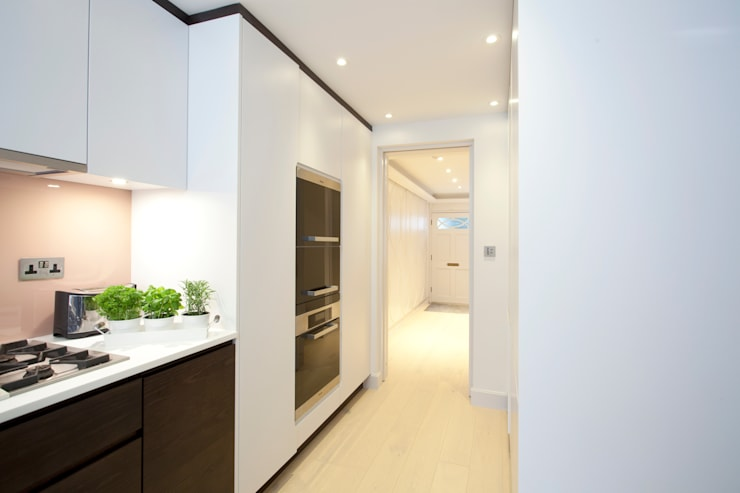 Holland Park W14: Stylish Family Home:  Houses by Increation