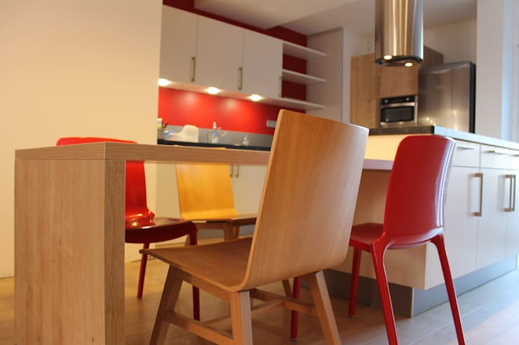 Cuisine: Cuisine de style  par Agence ADI-HOME
