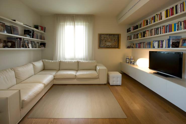 Salas / recibidores de estilo  por OPEN PROJECT,