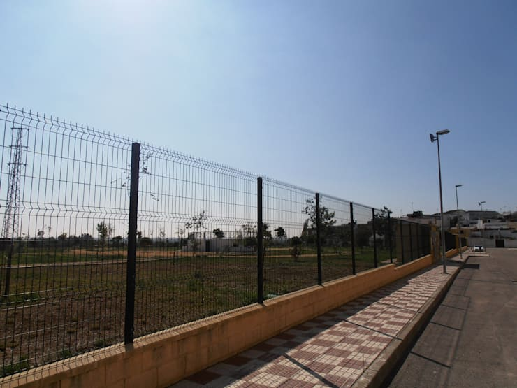 Valla plegada : Jardín de estilo  de Transformados Metalofe