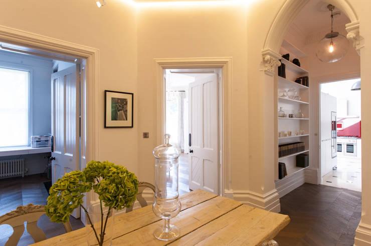 AG175_TwickenhamApartment:  Dining room by Morgan Harris Architects Ltd
