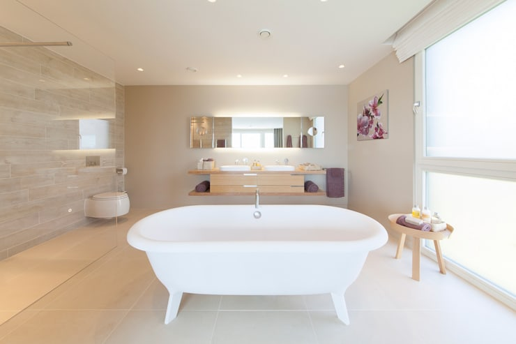 Lakes By Yoo 2:  Bathroom by Future Light Design