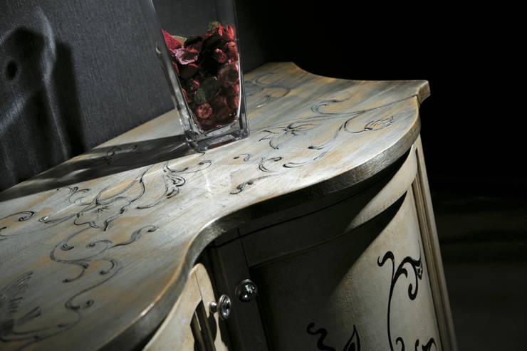 Elementi d'arredo: Sala da pranzo in stile  di F.lli Bubola ,
