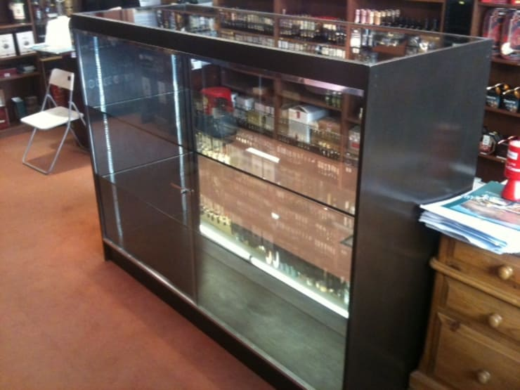 Glass Cabinet:   by Southside Glazing & Joinery