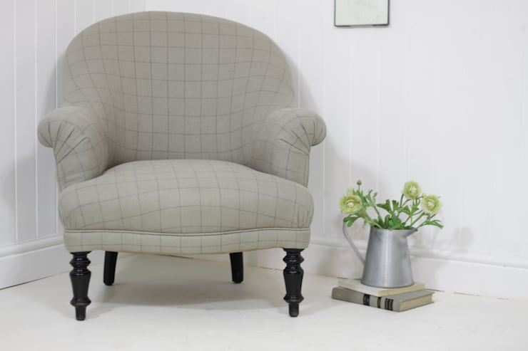Elegant checked linen armchair:  Kitchen by Loop the Loop
