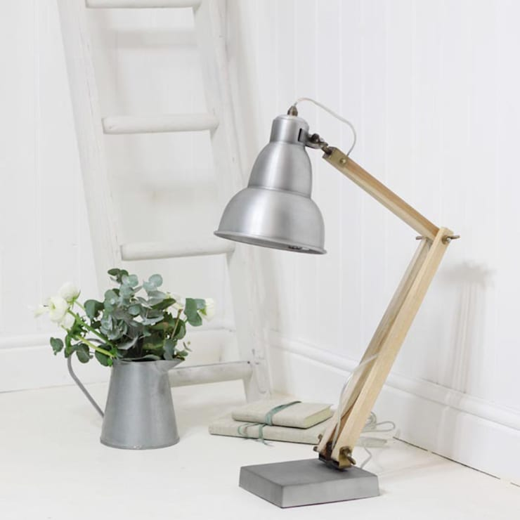Industrial Desk Lamp:  Living room by Loop the Loop