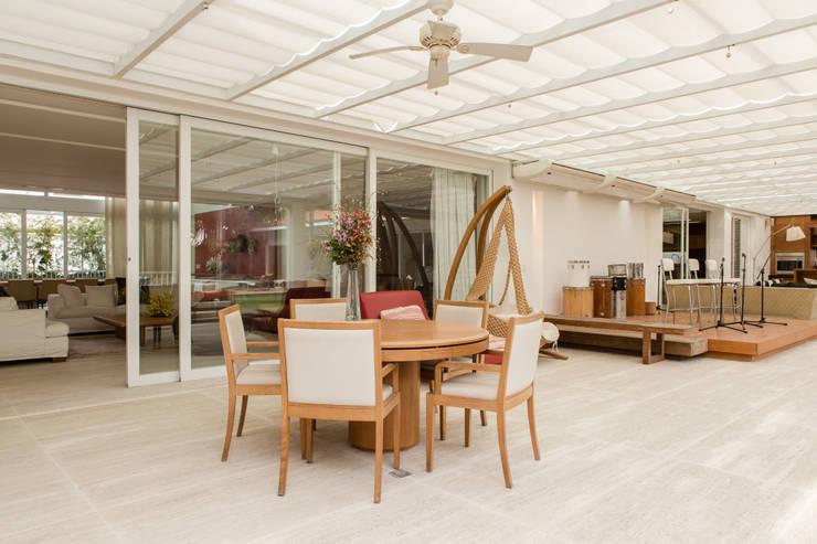 Terrazas de estilo  por Airbnb Germany GmbH