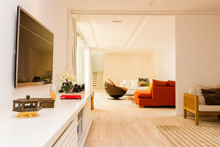 Amazing House in Barra - R10 (Ronaldinho):  Wohnzimmer von Airbnb Germany GmbH