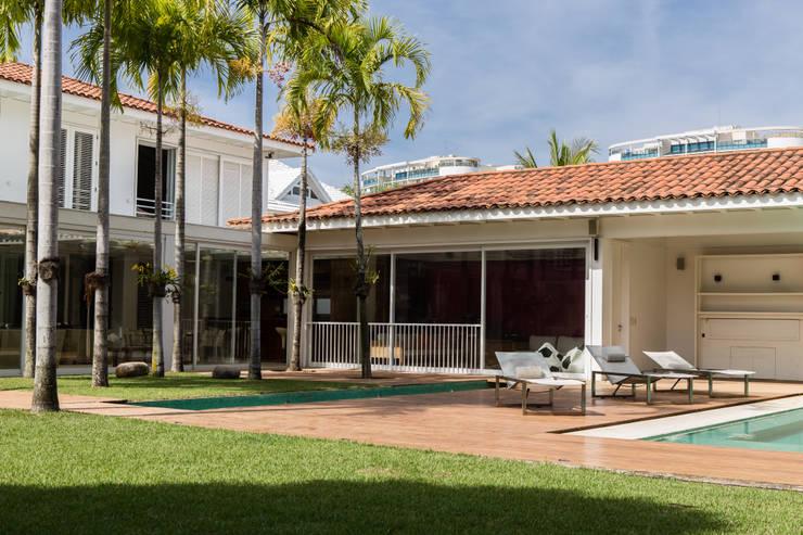 Amazing House in Barra - R10 (Ronaldinho):  Terrasse von Airbnb Germany GmbH